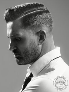 Classic comb over haircuts for men 2018 Combover Hairstyles, Side Part Hairstyles, Oval Face Hairstyles, Slick Hairstyles, Undercut Combover, Trending Hairstyles, Men's Hairstyles, Side Part Haircut Fade, Comb Over Haircut