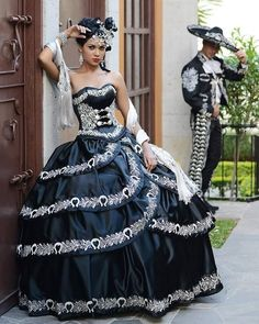 Find More Quinceanera Dresses Information about Vestidos de 15 anos Quinceanera Dresses Sweetheart Appliques Ball Gowns Black And White Elegant Quinceanera Dresses 2016,High Quality dress middleton,China dress up wedding dolls Suppliers, Cheap dresses confirmation from Queens' Dreaming Dresses Store on Aliexpress.com