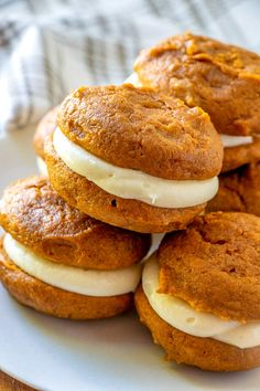 The classic New England dessert gets an update with pumpkin, spices, and maple! This Pumpkin Whoopie Pies with Maple Cream Cheese Frosting recipe is the perfect fall dessert! Thanksgiving Desserts Easy, Fall Dessert Recipes, Desserts For A Crowd, Fall Desserts, Holiday Recipes, Pumpkin Whoopie Pies, Pumpkin Cookies, Pumpkin Dessert, Woopie Pies