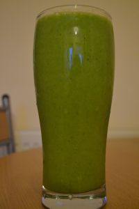 CANNOT WAIT to try this one!! Low FODMAP Smoothie