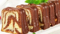 Baton Cake Recept en Ebruli - Food & Drink The Most Delicious Desserts – Culture Trip Food Cakes, Fondant Cakes, Cupcake Cakes, Oreo Torte, Cake Recept, Plum Cake, Sweets Cake, Pastry Cake, Turkish Recipes