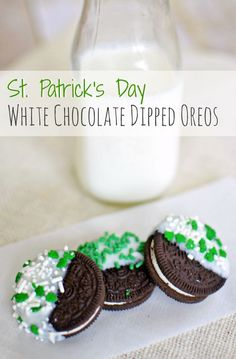 How to Make White Chocolate Dipped Oreo Cookies for St. Patrick's Day: such an easy to make treat idea for the holiday. The kids will love this!   Classy Mommy