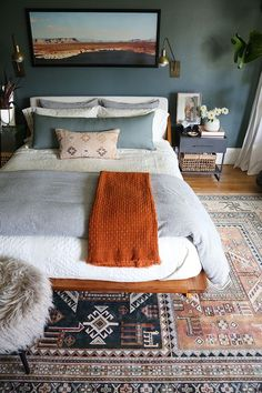 Cozy bedroom decor and bedding - Green Bedroom Reveal - Juniper Home bedroom interior design Bedroom Color Bedroom Orange, Bedroom Colors, Green Bedroom Decor, Green Master Bedroom, Decor Room, Pretty Bedroom, Master Bedrooms, Couple Bedroom Decor, Home Decor Bedroom