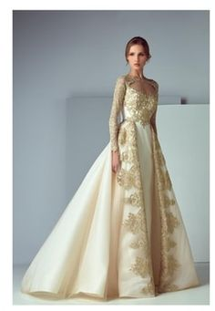 Saiid Kobeisy - Best Picture For Formelle kleider For Your Taste You are looking for something, and it is going t - Prom Girl Dresses, Prom Dresses Long With Sleeves, Tea Length Dresses, Wedding Dresses, Long Dresses, Peplum Long Dress, Elegant Dresses, Formal Dresses, Amazing Dresses
