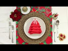 Quick and Easy Christmas Tree Napkin Fold - Home Decorating Trends - Homedit