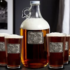 Give your homebar a classic feel with this Royal Crested growler beer glass set. The set comes with a single initial of your choice!