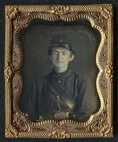 Fine 1 9th Plate Daguerreotype of A Young Civil War Soldier