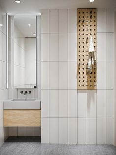40 Cozy Bathroom Design for Couples Cozy Bathroom, Budget Bathroom, Modern Bathroom, Small Bathroom, Bathroom Ideas, Bathroom Organization, Bathroom Mirrors, Bathroom Storage, Master Bathrooms