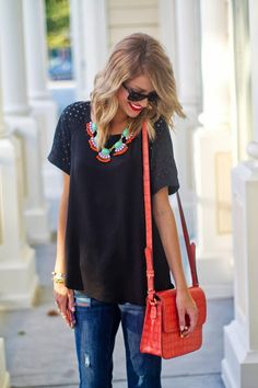Jeans, tee, colorful necklace
