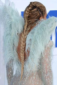 30 Badass Braid Ideas For Every Hair Length #refinery29  http://www.refinery29.com/best-braids-by-hair-length#slide-20  Long HairBeyoncéThe singer rocked a red-carpet hairstyle that would make Daenerys very, very proud. ...