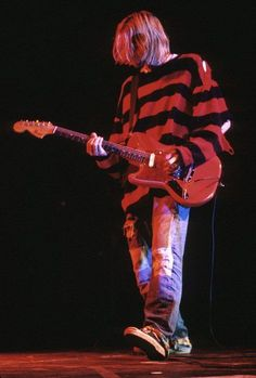 grunge Kurt Cobain by Kevin Mazur Estilo Grunge, 90s Grunge, Grunge Look, Grunge Outfits, Grunge Style, Moda Grunge, Nirvana Kurt Cobain, Kurt Cobain Style, Kurt Cobain Art