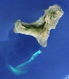 canary islands volcano | Volcano picture: huge stain off the Canary Islands, at site of ...