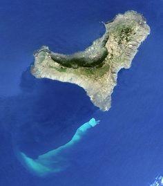 Vu du ciel: Une éruption volcanique sous-marine - La Curiosphère