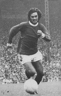 September Manchester United winger George Best in action against Coventry City, at Old Trafford. Coventry City, Vintage Football, Old Trafford, World History, Foxes, Manchester United, September, Action, The Unit