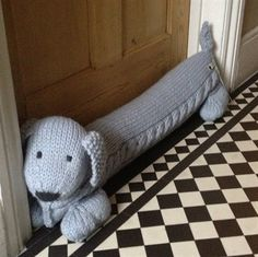 Sausage the Dog, hand knitted merino wool draught excluder. Knitting Projects, Crochet Projects, Sewing Projects, Knitting Patterns Free Dog, Crochet Patterns, Crochet Home, Knit Crochet, Doorstop Pattern, Christmas Bazaar Ideas