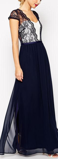 scalloped lace dress #moda #beauty&fashion