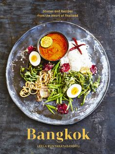 Bangkok: Recipes and Stories from the Heart of Thailand by Leela Punyaratabandhu is a glorious tribute to Thai cuisine. Bangkok, Thai Recipes, Real Food Recipes, Asian Recipes, Easy Recipes, Chicken Recipes, Green Juice, Thai Cookbook, Cookbook Pdf