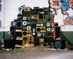Hi, you should refer to what a standard PA is made of: for techno music so big punch when required.as for any music : Self powered or passive subwoof Hip Hop Dance Studio, Blonde Anime Characters, Champion System, Moda Hip Hop, Persona, Wall Of Sound, Techno Music, Nyc, Boombox