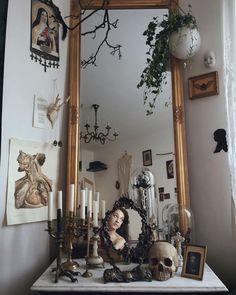Dark Home Decor, Goth Home Decor, Gothic Room, Gothic House, Room Ideas Bedroom, Bedroom Decor, Vintage Room, Vintage Home Decor, My New Room