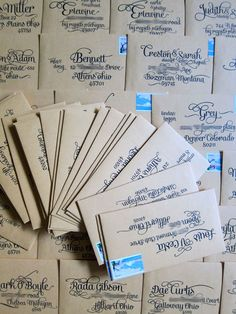 Font for faux calligraphy- #wedding #invitations #enveloppes