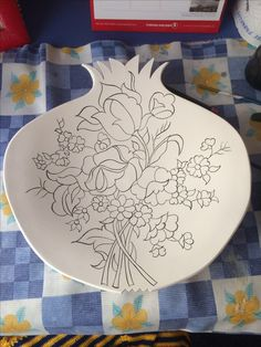 Tole Painting, Ceramic Painting, Ceramic Art, Clay Design, Ceramic Design, Blue Pottery, Ceramic Pottery, Pomegranate Drawing, Glass Engraving
