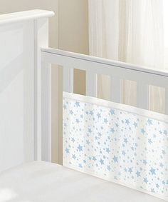 The BreathableBaby Mesh Cot Liner has a soft padded mesh to keep baby safe and secure whilst sleeping.