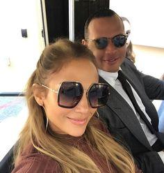 98eba8aadbf Jennifer Lopez wearing oversized Gucci sunglasses Alex Rodriquez