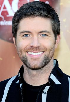 Singer Josh Turner arrives at the American Country Awards 2010 held at the MGM Grand Garden Arena on December 6, 2010 in Las Vegas, Nevada.