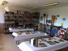 Exposición y actividades del día del libro e inauguración de la Biblioteca del cpr Los Castaños, Busquístar. Vía @maccervilla