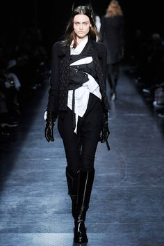 Ann Demeulemeester Fall 2009 RTW - Runway Photos - Fashion Week - Runway, Fashion Shows and Collections - Vogue
