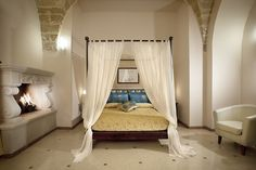 With its traditional and luxurious appearance, a four poster bed will add romance and elegance to your summer break our Deluxe Room.   Con il suo aspetto tradizionale, il letto a baldacchino aggiunge romanticismo ed eleganza alla vostro soggiorno nella nostra camera Deluxe.  #romance #romantic #getaway #stay #deluxe #room #italy #love #justmeandyou #amore #romantico #italy #weareinpuglia #weareinsalento