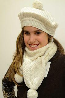 Boina y bufanda beige para niñas