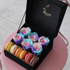 Yummy Creative Valentines Day Ideas, Valentines Diy, Flower Box Gift, Flower Boxes, Decoraciones Eid, Honey Shop, Cute Snacks, Box Roses, Sweet Box