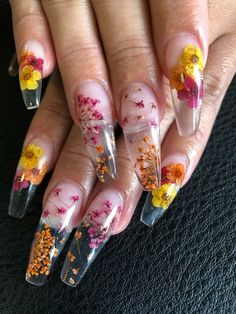 The Dried Flower Nail Art Designs can be created on fingernails of any appearance and width, and can be adapted to any blush combination and any textural flower pattern. Dried Flower Nail Art Designs is the best acceptable, because flowers are the s Clear Acrylic Nails, Clear Nails, Cute Acrylic Nails, Fun Nails, Tumblr Acrylic Nails, Nail Art Designs, Acrylic Nail Designs, Nails Design, Clear Nail Designs