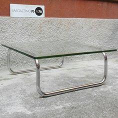 Un tavolino da caffe in acciaio con piano in cristallo  1970 80x80x35h Perfette condizioni nessuna traccia di ossidazione sulle cromature e vetro originale #magazzino76 #viapadova #M76 #modernariato #antiquariato #vintage #design #coffeetable #anni70 #cromature #cristallo #perfettecondizioni #solocoseoriginali #tavolini #tavolinidacaffe #1970