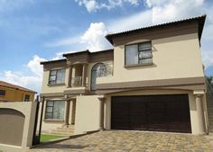 Houses For Sale in Glen Eagles. View our selection of apartments, flats, farms, luxury properties and houses for sale in Glen Eagles by our knowledgeable Estate Agents. 3 Bedroom House, Homes, Mansions, Luxury, House Styles, Modern, Home Decor, Houses, Mansion Houses