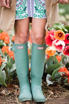 Gummistiefel Rain days never looked cute! Check out our Top 10 Best Rain Boots now! Preppy Outfits, Preppy Style, Summer Outfits, Cute Outfits, My Style, Summer Clothes, Stylish Outfits, Best Rain Boots, Snow Boots