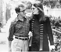 "Oscars, April 3, 1978:  April 3, 1978   Best picture: 'Annie Hall'  Box-of­fice block­buster ""Star Wars"" takes six reg­u­lar and one spe­cial Oscar. Woody Al­len is a no-show and Vanessa Redgrave's fiery, polit­ic­al ac­cept­ance speech draws boos and hisses. Act­or: Richard Drey­fuss, ""The Good­bye Girl""  Act­ress: Di­ane Keaton, ""An­nie Hall""  Sup­port­ing act­or: Jason Robards, ""Ju­lia""  Sup­port­ing act­ress: Vanessa Redgrave, ""Ju­lia"" Dir­ect­or: Woody Al­len, ""An­nie Hall"""