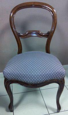 """Les Belles Assises - Recouverture de cette chaise de style """"Louis Philippe"""" en acajou avec un tissu plumetis taupe de chez Nobilis. Finition clous."""