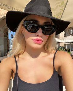 Cat Eye Sunglasses, Sunglasses Women, Instagram, Fashion, Dancing Girls, Singers, Celebs, Moda, La Mode