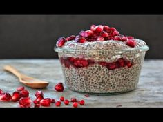 Wholehearted Eats : Chai Spiced Chia Pudding with Pink Peppercorn Pomegranate Sauce (or top or drown with homemade granola) Healthy Desserts, Raw Food Recipes, Dessert Recipes, Chia Pudding, Sport Food, Pomegranate Sauce, Tasty, Yummy Food, Chia Seeds