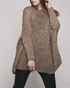 This beautiful over-sized sweater features simple style with fitted sleeves that makes you stylish and on trend. It is made of eco cotton yarn in Look Fashion, Fashion Women, Pulls, Hand Knitting, Knitwear, Knitting Patterns, Knit Crochet, Sweaters For Women, My Style