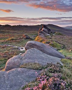 The Roaches, Peak District, Staffordshire, England, by Tim Smalley. lovely walking up here and then down to Luds Church. Beautiful World, Beautiful Places, Beautiful Pictures, Foto Picture, British Countryside, Photos Voyages, Peak District, To Infinity And Beyond, New Journey