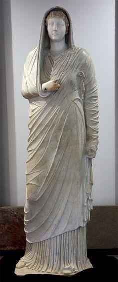 Livia, wife of Augustus, mother of Emperor Tiberius, Roman statue (marble), 1st century BC - 1st century AD, from Villa of the Mysteries, Pompeii, (Antiquarium, Boscoreale)
