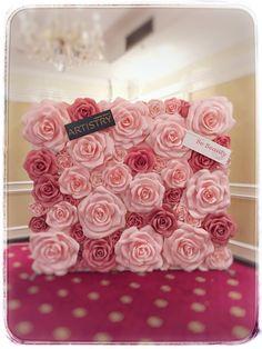 Bautizo Paper Flower Centerpieces, Paper Flower Decor, Large Paper Flowers, Paper Flower Backdrop, Giant Paper Flowers, Paper Roses, Flower Crafts, Flower Decorations, Fabric Flowers