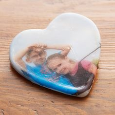 Make an easy DIY Friendly Plastic® Photo Transfer Heart Magnet for Mother's Day or Father's Day