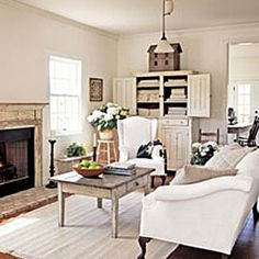 Farmhouse inspired decor in this bright living room. Farmhouse inspired decor in this bright living room. Cottage Living, My Living Room, Home And Living, Living Spaces, Country Living, Cozy Living, Cottage Style, Modern Living, Country Farmhouse Decor