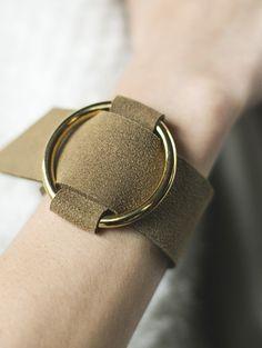 【Fake leather bangle) Idea for a Belt!