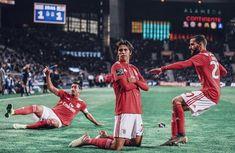 Soccer Stars, Football Soccer, Football Players, Soccer Jerseys, Benfica Logo, Benfica Wallpaper, Messi Vs, Fc Porto, Stadium Of Light