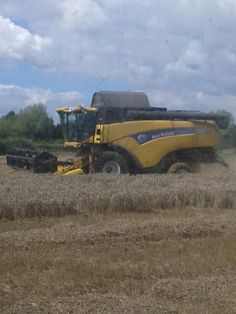 New Holland CX 8040 combine